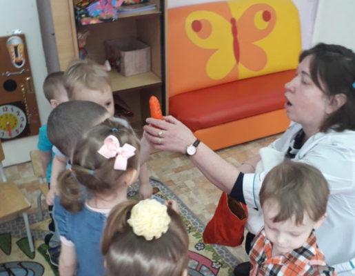 """Открытое занятие в 1 мл. группе """"Подарок для зайчика"""" (ул. Горняков, 31)"""